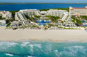 Now Emerald Cancun Aerial